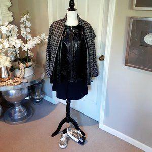 Misty Mountain black grey activewear short jacket
